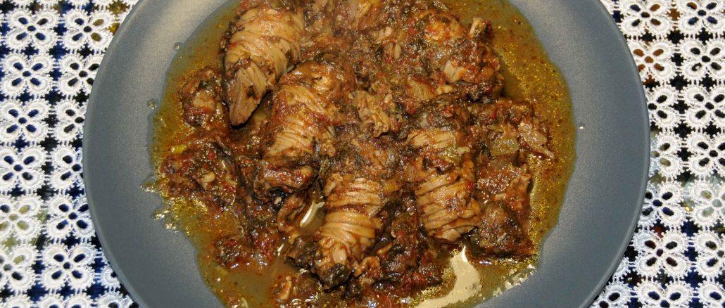 Γαρδουμπάκια κοκκινιστά - Wrapped Liver with Intestine