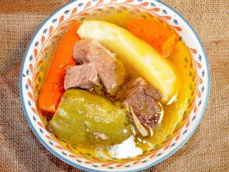 Σούπα με πλευρά μοσχαρίσια