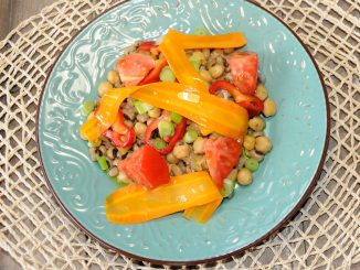 Φασόλια μαυρομάτικα με ρεβύθια σαλάτα - Bean and Chickpeas Salad