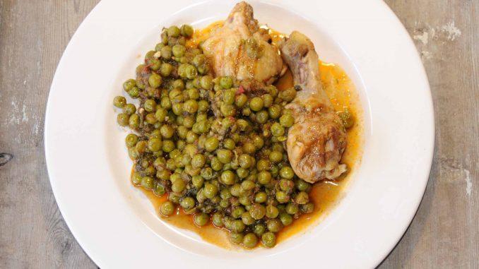 Αρακάς με κοτόπουλο - Peas with Chicken