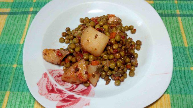 Αρακάς με πατάτες - Peas with potatoes