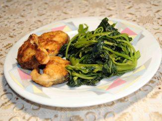 Βλήτα με μπακαλιάρο τηγανιτό - Amaranthus Blitum with Hake Fried