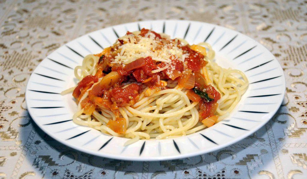 Μακαρονάδα ορφανή ( χωρίς κρέας) - Macaroni orphan (without meat)