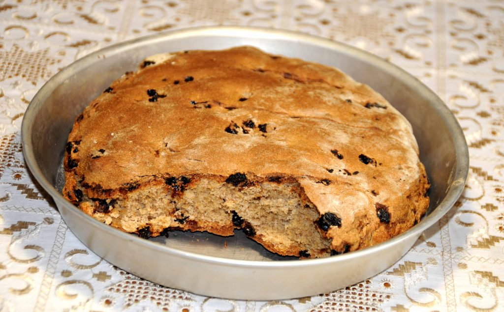 Σταφιδόψωμο - Bread with Raisins