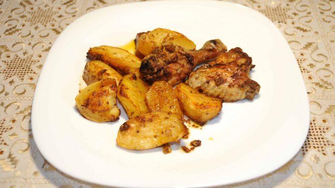 Κοτόπουλο στο φούρνο με πατάτες - Chicken baked with potatoes