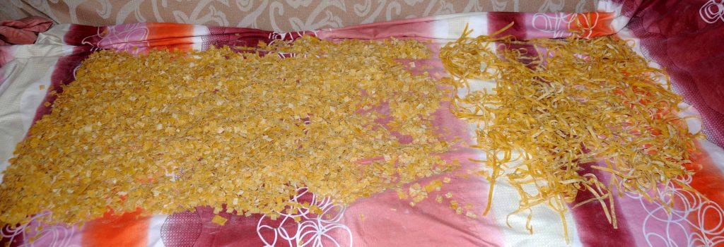 Σπιτικές Χυλοπίτες τής Γιαγιάς - Homemade Noodles in Small Pieces of Grandmother
