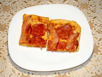 Πίτσα με Λεπτή Ζύμη - Pizza with Thin Dough