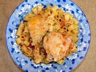 Κοτόπουλο με μακαρονάκι κοφτό