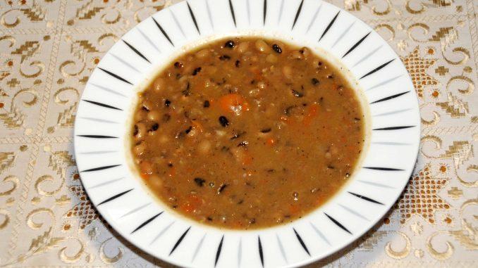 Φασόλια μαυρομάτικα σούπα - Blackbean soup beans