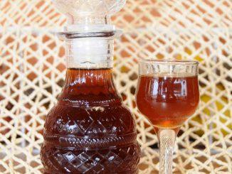 Λικέρ κούμαρο - Liqueur Arbutus