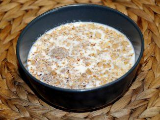 Γάλα με μούσλι και λιναρόσπορο - Milk with Muesli and Linseed