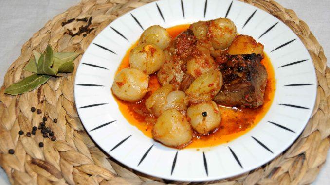 Γλώσσα μοσχαρίσια στιφάδο στο φούρνο - Beef Tongue in the Oven with Onions