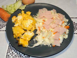 Ομελέτα με σαλάτα λαχανικόν και γαλοπούλα - Omelette with Vegetable Salad and Turkey