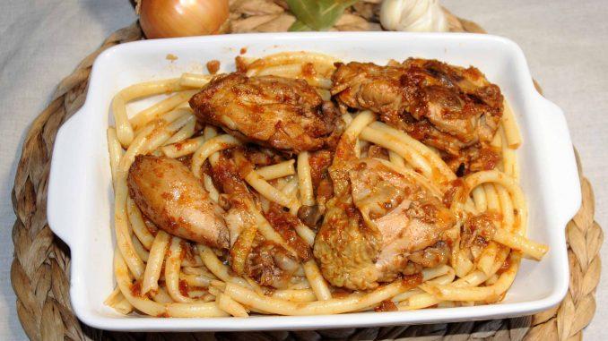 Παραδοσιακή Κερκυραϊκή παστιτσάδα - Traditional Corfu macaroni with meat