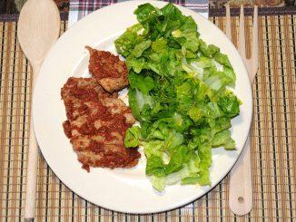 Ψαρονέφρι κοκκινιστό με σαλάτα - Tenderloin with salad