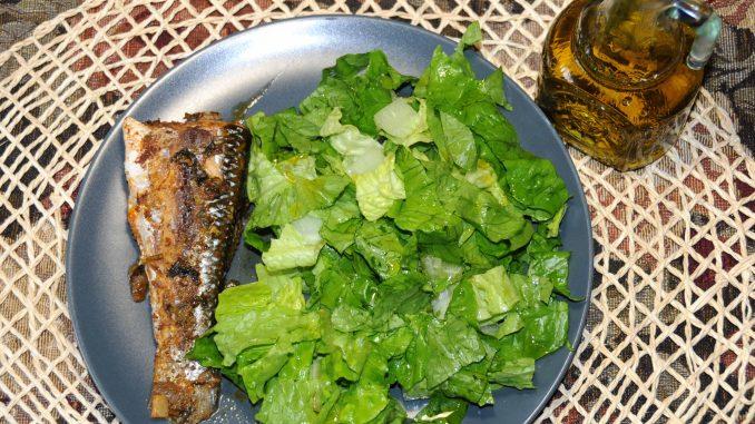 Ψητός κέφαλος πλακί με σαλάτα - Roast Mugiliformes with salad