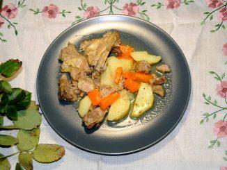 Γαλοπούλα λεμονάτη με πατάτες και καρότα - Lemon turkey with potatoes and carrots