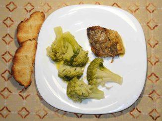 Ψητός μπακαλιάρος με μπρόκολο - Roast cod with broccoli