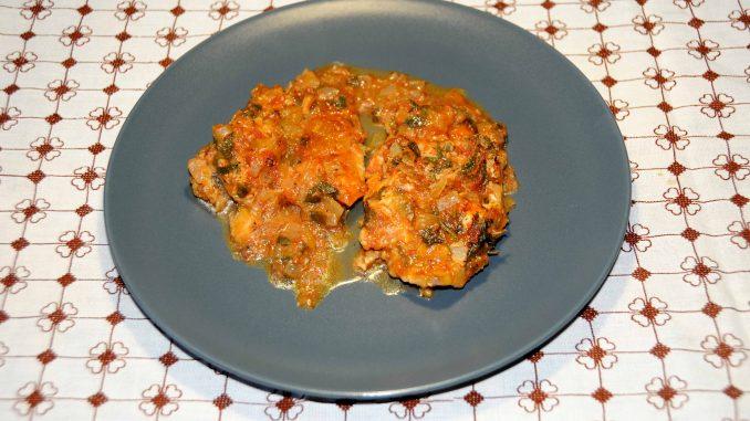 Μπακαλιάρος πλακί στην κατσαρόλα - Hake in the pot