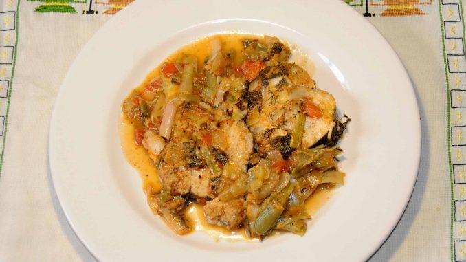 Μπακαλιάρος πλακί στην κατσαρόλα - Mackerel in the pot
