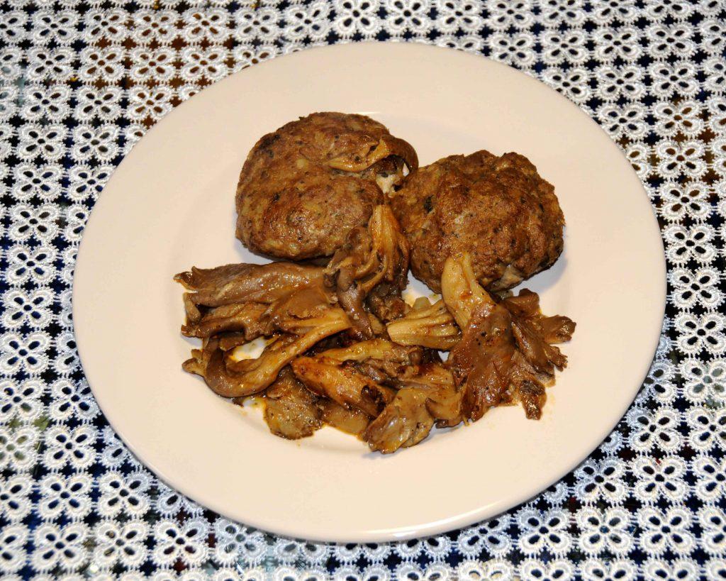 Μπιφτέκια με μανιτάρια - Burgers with mushrooms