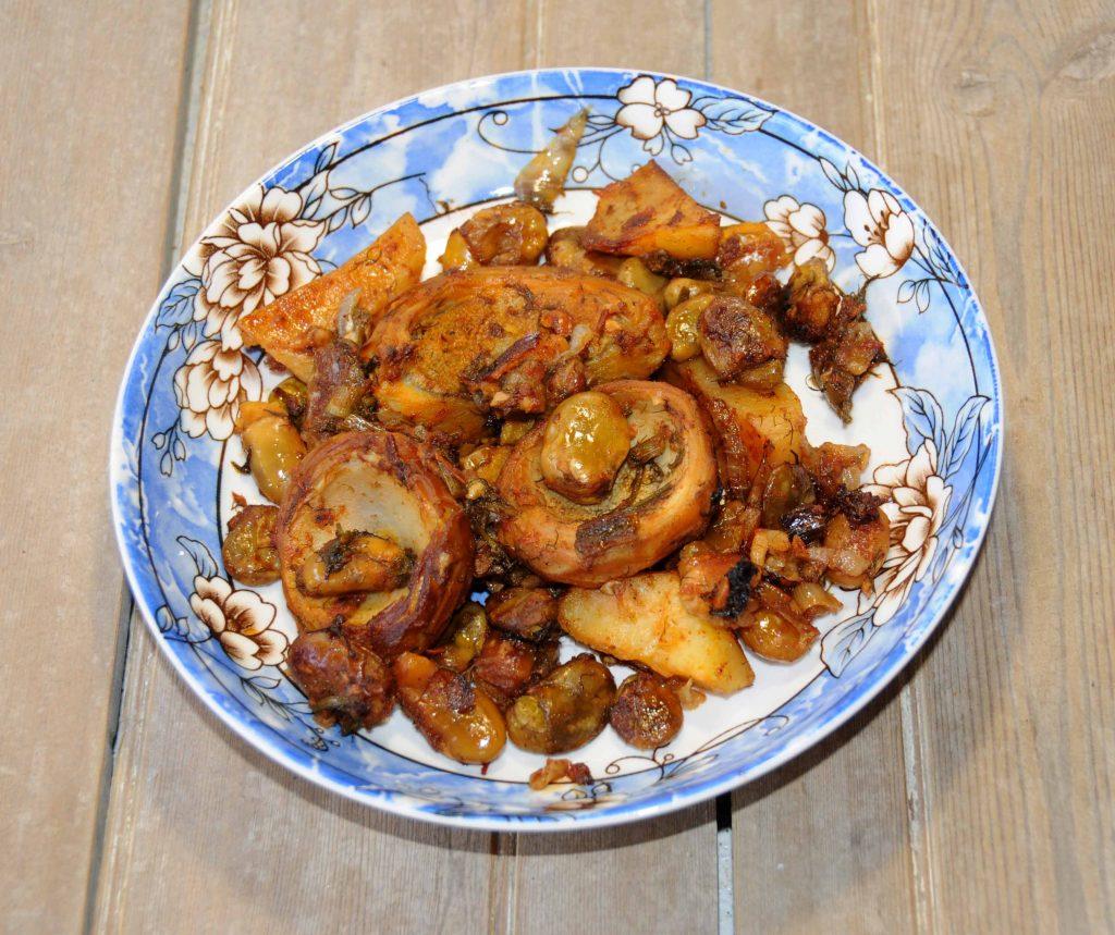Αγκινάρες με κουκιά και πατάτες στον φούρνο - Artichokes with broad beans and potatoes in the oven