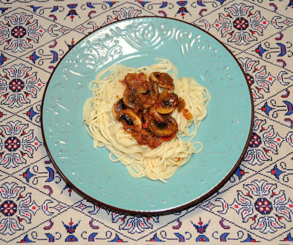 Μακαρόνια με μανιτάρια - Spaghetti with Mushrooms