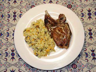 Χοιρινή μπριζόλα ψητή με ρύζι - Pork steak with rice