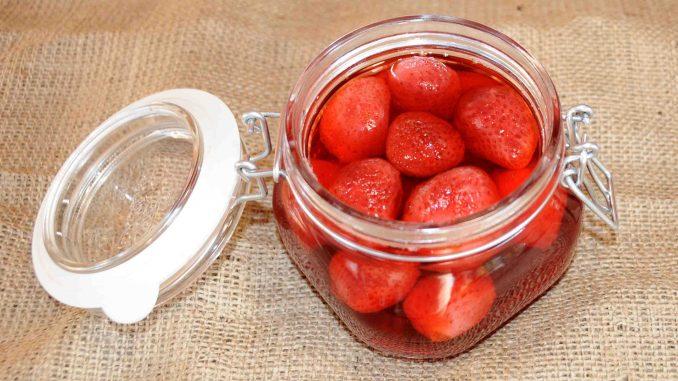 Κομπόστα φράουλες - Strawberries Compote