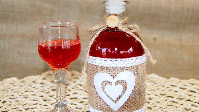 Λικέρ από φρούτο βανίλια - Plum Liqueur