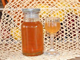 Λικέρ με νεκταρίνια - Liqueur with Nectarines