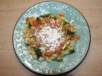 Μακαρονάκι κοφτό με κιμά και λαχανικά - Pasta Butt with Minced Meat and Vegetables