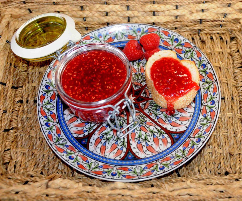 Μαρμελάδα από κόκκινο ήμερο βατόμουρο - Red raspberry jam