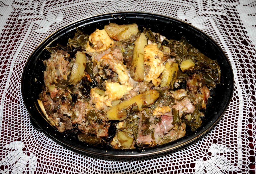 Αρνάκι του αμπελουργού με γραβιέρα στον φούρνο - Lamb's vine grower with gruyere in the oven