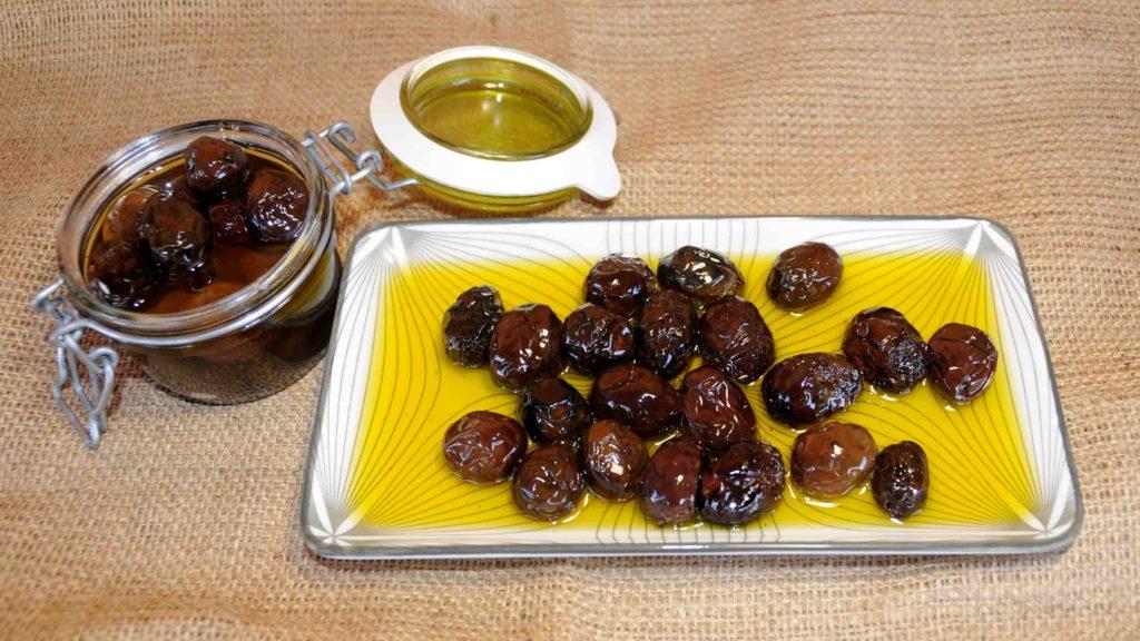 Ελιές θρούμπες (ζαρωτές) - Olives throuba (wrinkles)