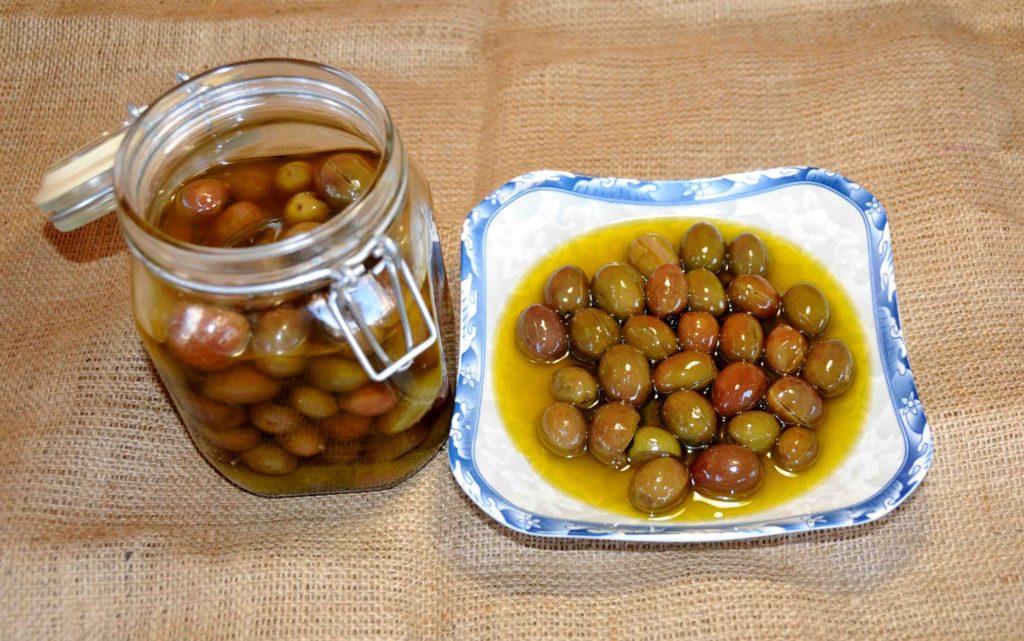 Ελιές ξυδάτες - Olives made with vinegar