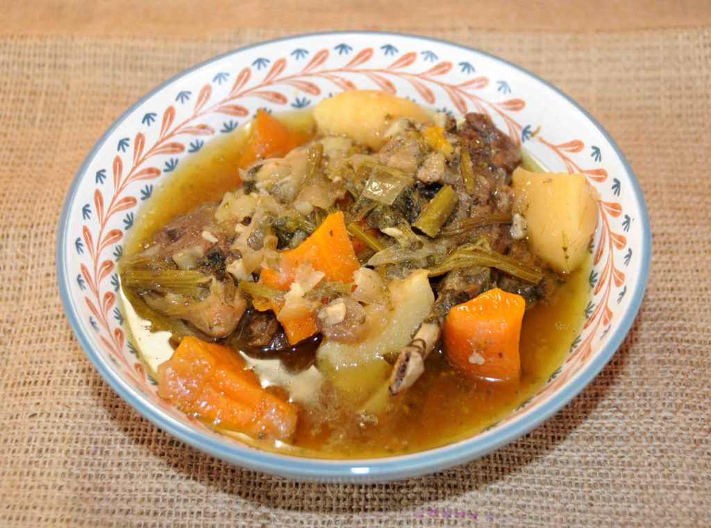 Προβατίνα βραστή με λαχανικά - Lamb boiled with vegetables
