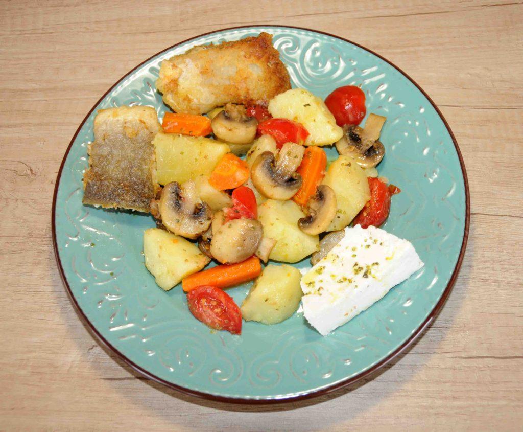 Σαλάτα με μπακαλιάρο τηγανιτό - Fried cod salad