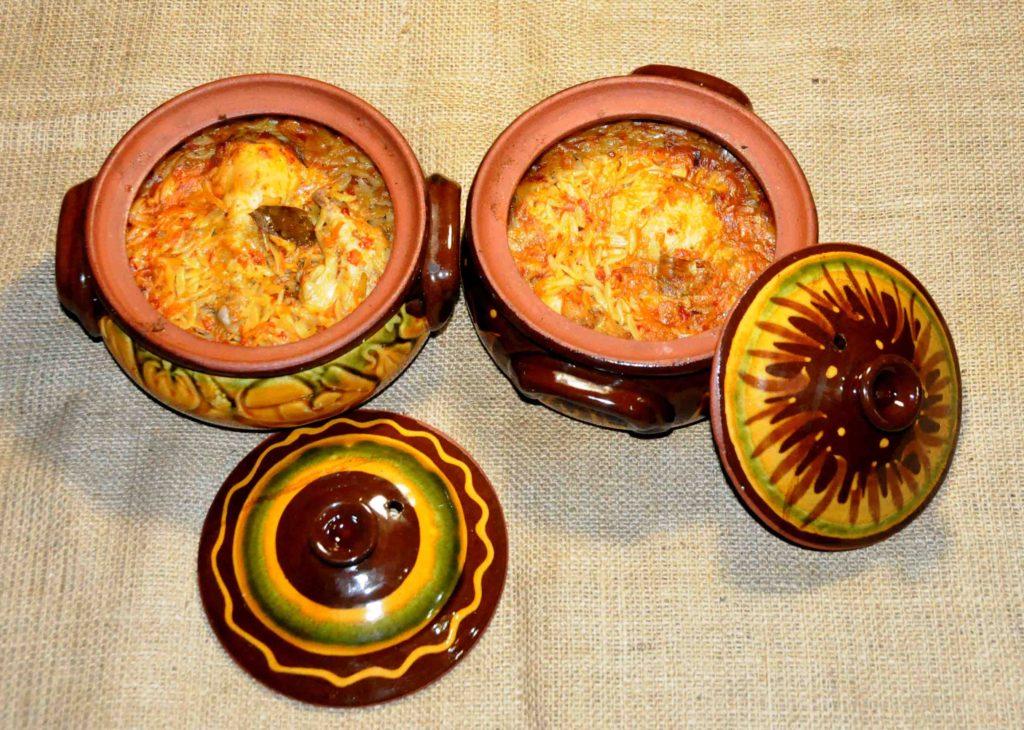Κοτόπουλο γιουβέτσι σε ατομικά πήλινα - juvetsi chicken in individual clay
