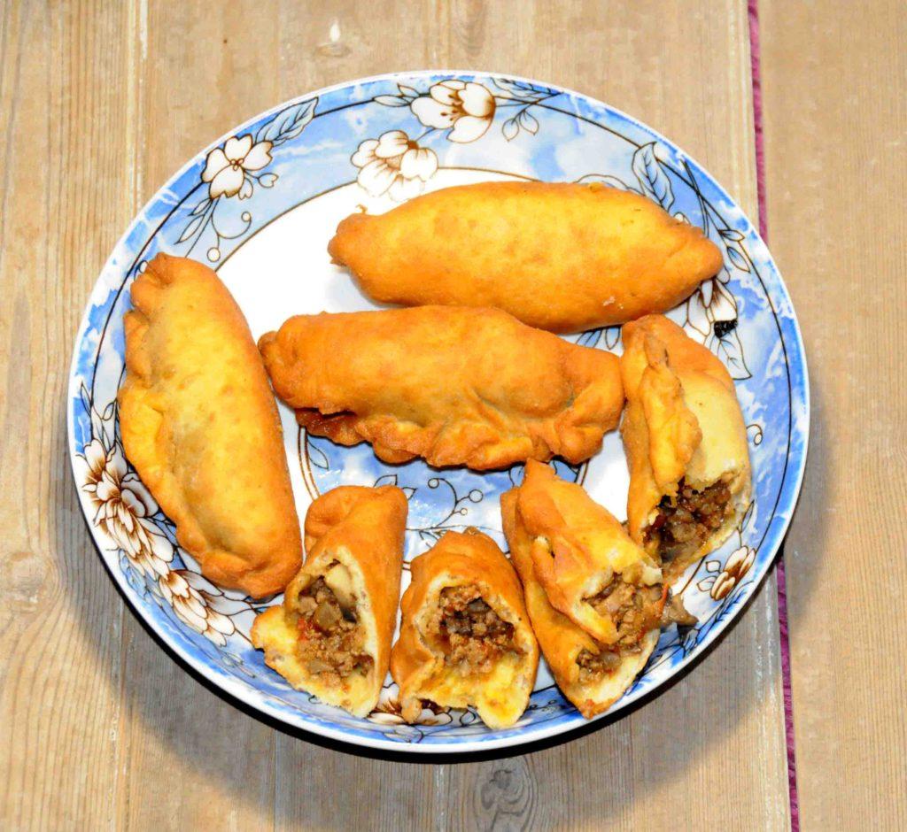 Πιροσκί με κιμά και μανιτάρια - piroshki with minced meat and mushrooms