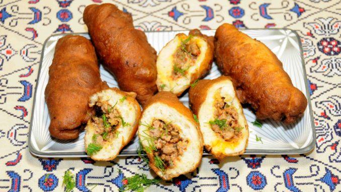 Πιροσκί με κιμά - Piroshki with minced meat