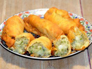 Πιροσκί με πατάτες - Piroshki with potatoes