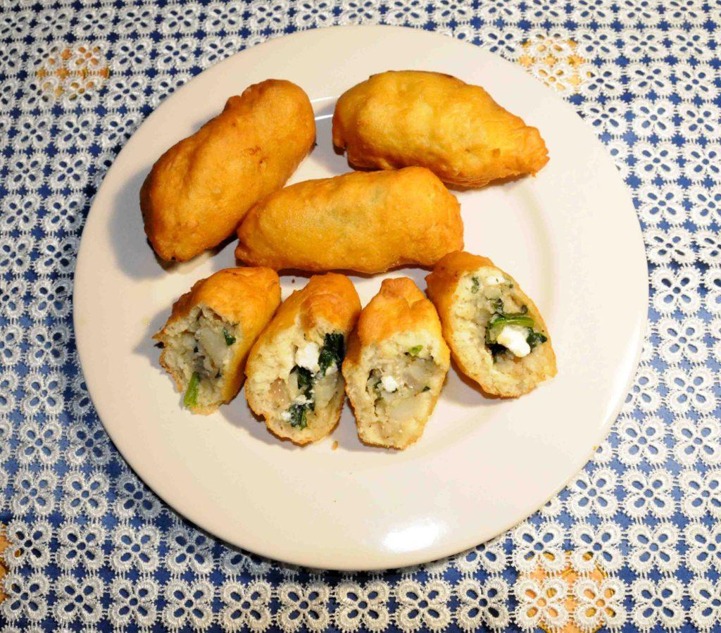 Πιροσκί με τυρί φέτα - Piroshki with feta cheese