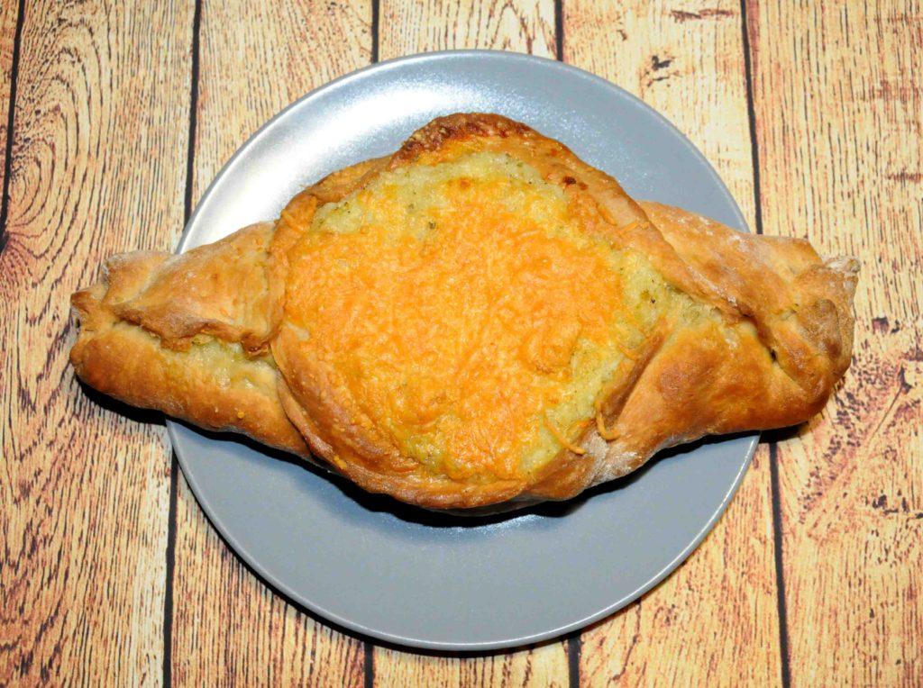 Πεϊνιρλί με βραστή πατάτα και τυρί που λιώνει