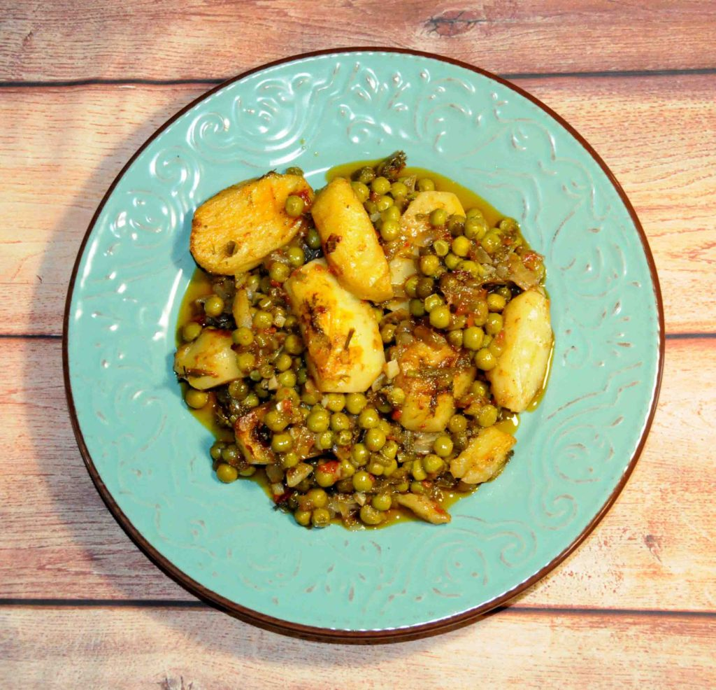 Αρακάς με πατάτες στο φούρνο