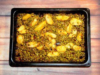 Αρακάς με πατάτες στο φούρνο 2