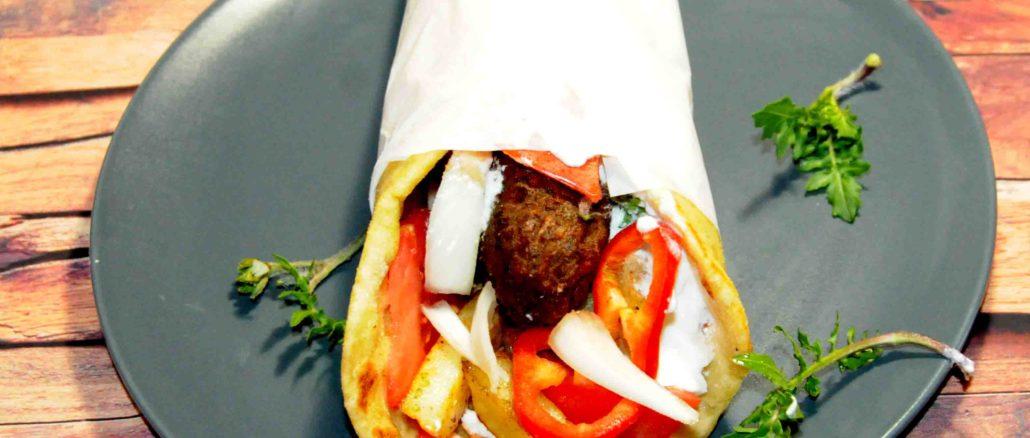 Σουβλάκι με κεμπάπ - Souvlaki with kebab