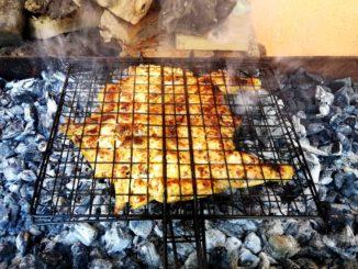 Κοτόπουλο μαρινάτο στα κάρβουνα