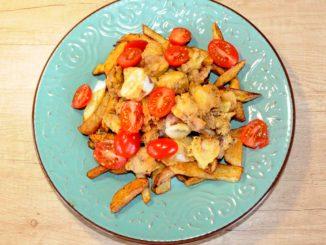 Μερίδα με πατάτες και καλαμαράκια