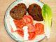 Πίτα αραβική με μπιφτέκι